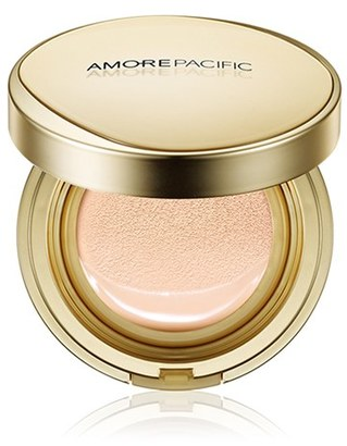 Amorepacific Age Correcting Foundation Cushion Broad Spectrum Spf 25 - 102 Light $80 thestylecure.com