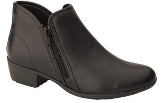 4ade8d9d2643 TredSafe Women s Aria Slip Resistance Boot