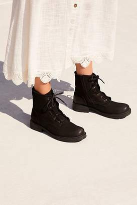 Bueno Getty Lace-Up Boot