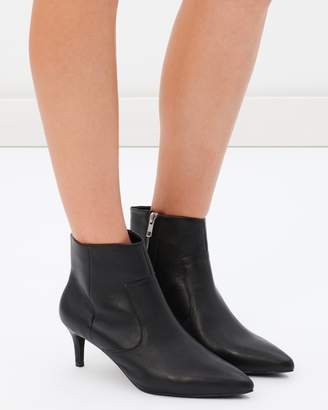 Sol Sana Odin Boots