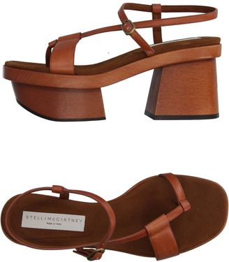 Toe strap sandals