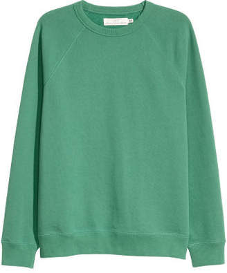 H&M Sweatshirt with Raglan Sleeves - Green