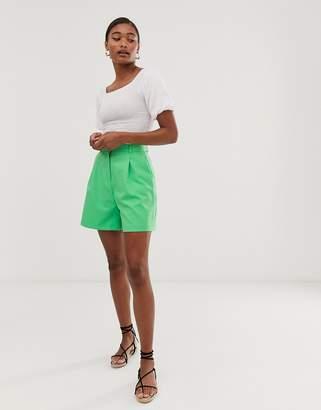Asos Design DESIGN mom shorts in green