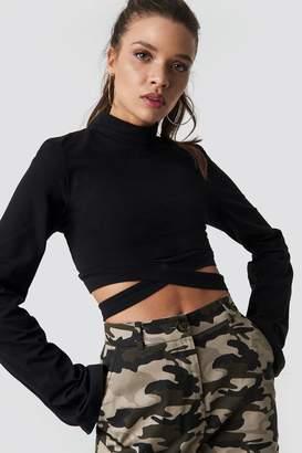 Ivana Santacruz X Na Kd Waist Strap Long Sleeve Crop Black