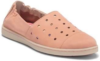 Børn Kristin Cap Toe Nubuck Slip-On Sneaker