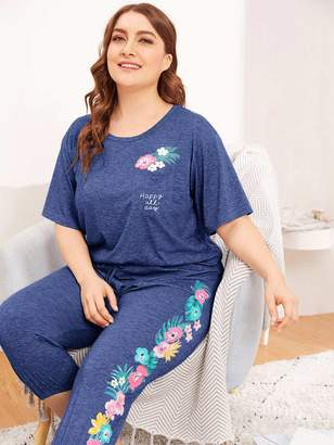 Shein Plus Patch Pocket Graphic Print Top & Crop Pants PJ Set