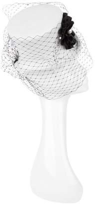 Victoria Grant Veil Top Hat