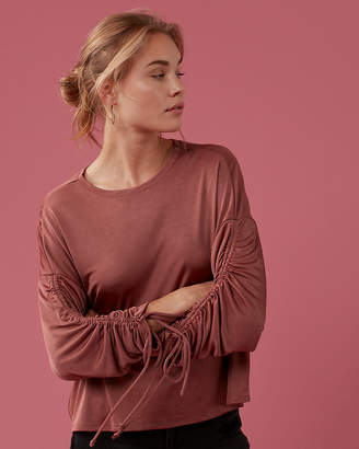 Express Petite Ruched Long Sleeve Tee