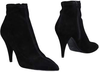 Alice + Olivia Ankle boots