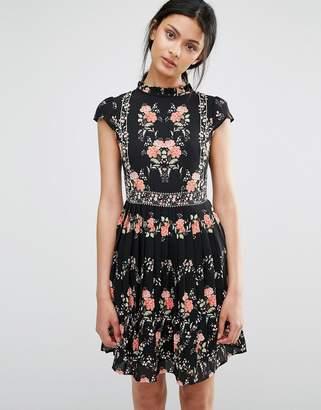 Oasis Floral Print Tea Dress $81 thestylecure.com