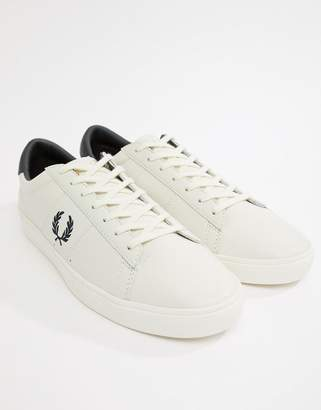 Fred Perry Spencer leather contrast wreath in white