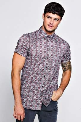 boohoo Small Geo Print Crepe Short Sleeve Shirt