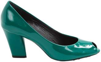 Marc Jacobs Patent leather heels