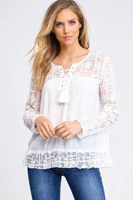 Montrez LACE BOHO TIE UP BLOUSE