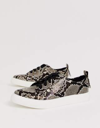66309ae1d61c Asos Design DESIGN Durban pointed lace up trainers in snake print