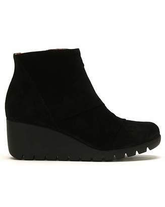 Daniel Footwear Daniel Rambler Suede Ankle Boots
