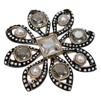 Chanel Pin & brooche