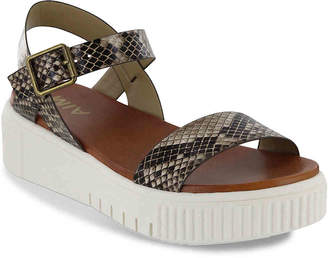 Mia Leanna Platform Sandal - Women's