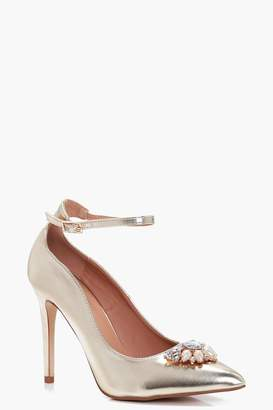 boohoo Gracie Pearl & Diamante Trim Pointed Toe Courts