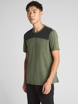 Gap GapFit Colorblock Sport T-Shirt