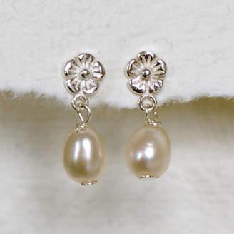 c6bf3b7c1 Highland Angel Sterling Silver Flower Pearl Drop Earrings