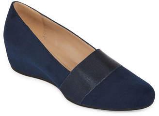 a35e8c8e1908 Andrew Geller Womens Secretary Pumps Closed Toe Stacked Heel