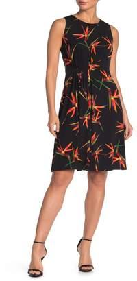 T Tahari Sleeveless Pleated Printed Dress