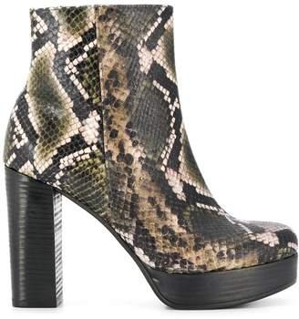 Kennel + Schmenger Kennel&Schmenger snakeskin-effect boots