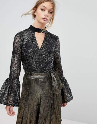 Coast Brea Lace Metallic Top With Big Sleeve