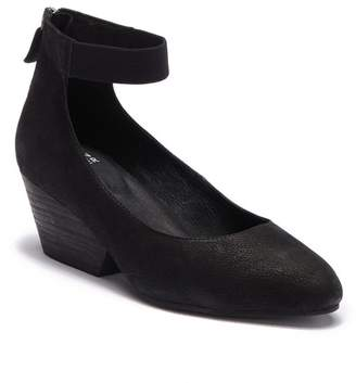 Eileen Fisher Liza Tumbled Nubuck Pump