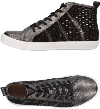 La Femme PLUS Sneakers