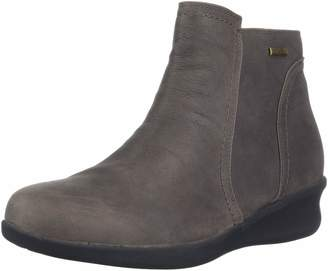 Aravon Women's Fairlee Ankle Boot