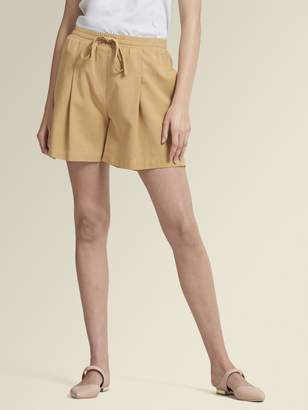 DKNY Pleat Front Pull-On Short
