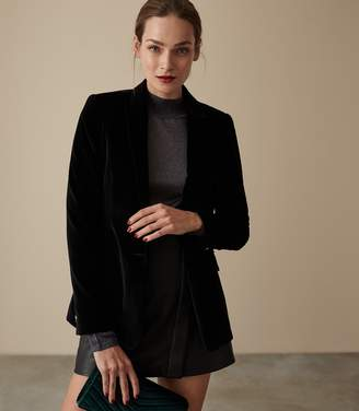 Reiss Our last order date for Christmas has now passed BRIE VELVET BLAZER Black