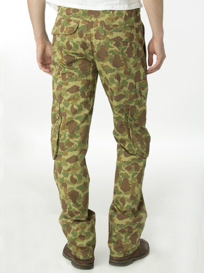 Multi Pocket Camo Cargo Pant