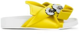 No.21 embellished bow sandals