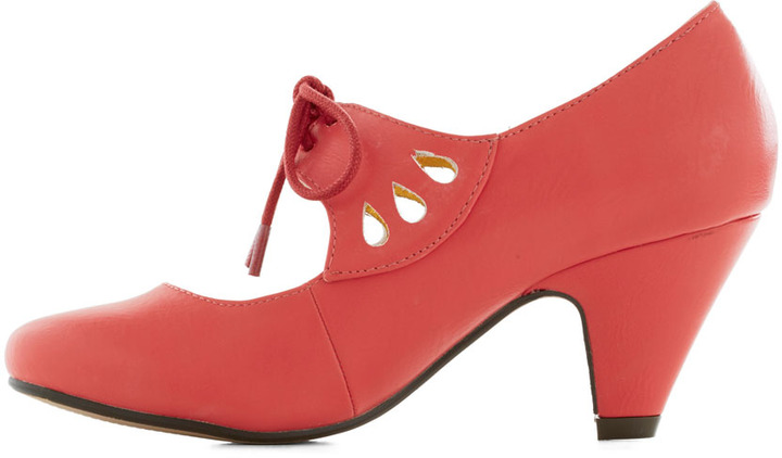 On the Bright Foot Heel in Coral