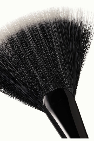 Kevyn Aucoin The Large Fan Brush - one size