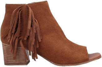 Alexandra Ankle boots