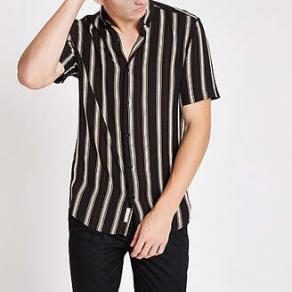 River Island Mens Black stripe slim fit short sleeve shirt
