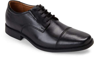Clarks Black Tilden Cap Oxfords