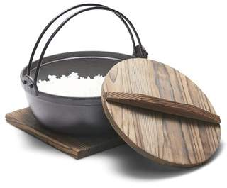 Salt&Pepper 3L Tetsu Cast Iron Pot with Wooden Lid & Trivet