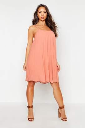 4396aeca56 boohoo Chiffon Pleated Swing Dress