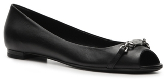 Final Sale - Gucci Leather Nameplate Flat $550 thestylecure.com