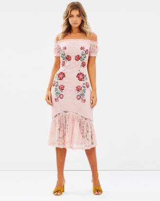 Atmos & Here ICONIC EXCLUSIVE - Elora Off-Shoulder Dress