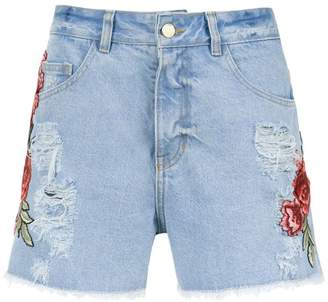 Martha Medeiros embroidered patches jeans shorts