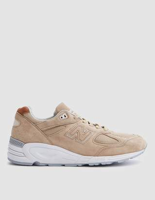 New Balance 990 Winter Peaks in Tan/White