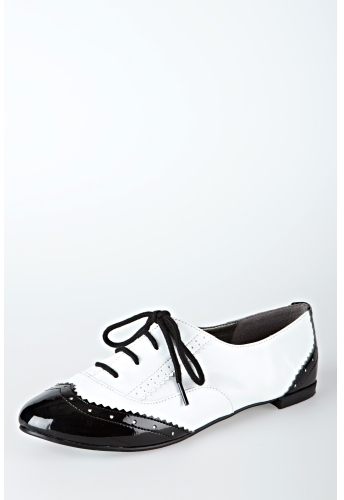 Oxford Wing Tip Lace-Up Shoe