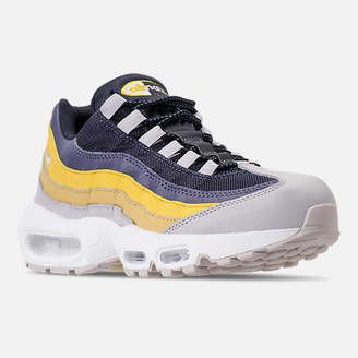 Nike Men's 95 Essential Casual Shoes