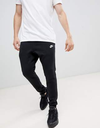 Nike Cuffed Club Jogger In Black 804408-010